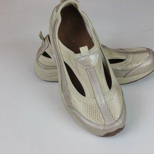 Easy Spirit Gold Mesh  Sz 7 Slip On Shoes Sneakers